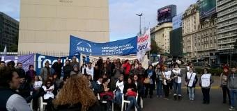 Obelisco: Universitarios realizaron clases públicas y un banderazo denunciando el fallo que suspende el ingreso irrestricto