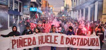 Viva la dignidad del pueblo Chileno. No al ajuste, la represión y el Estado de Emergencia.